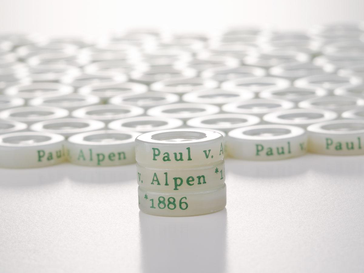 Paul von Alpen - Perlmuttknopf